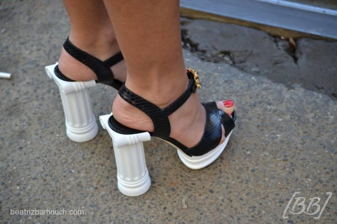 Essa é a sandália que já está praticamente em todas as vitrines da marca Dolce&Gabbana.