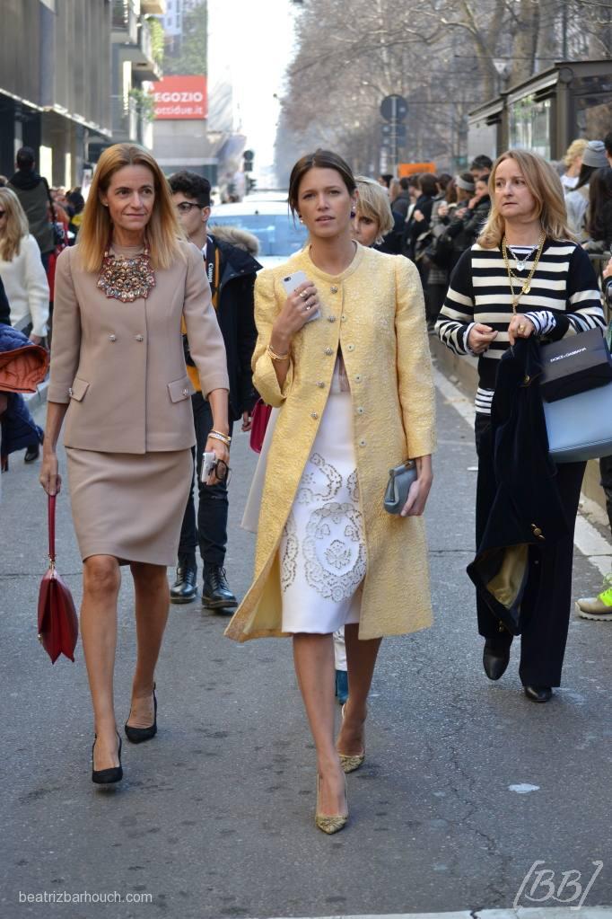 Helena Bordon saindo do desfile da Dolce&Gabbana.