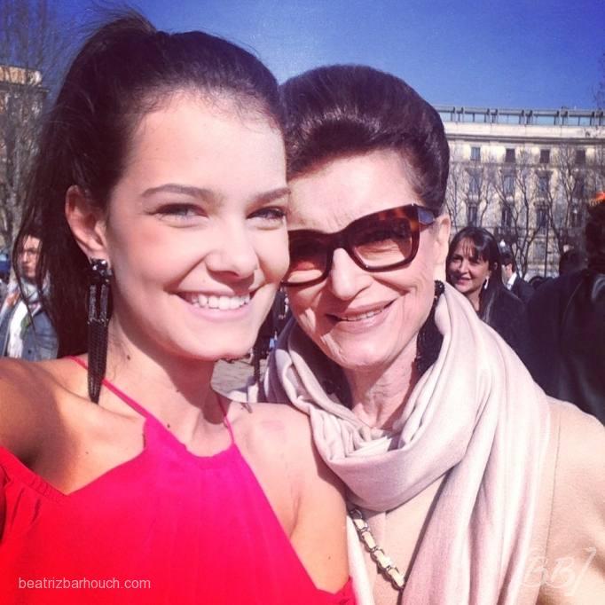 Eu e Constanza Pascolato no desfile do Roberto Cavalli.