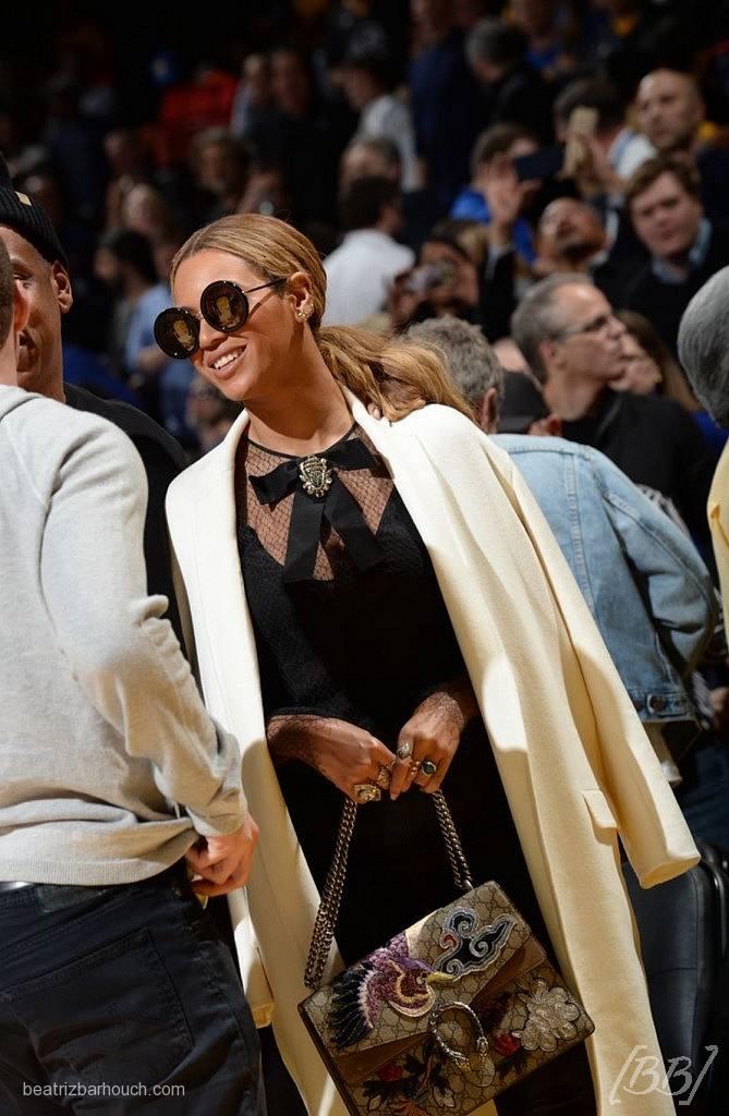 Beyonce com a it bag